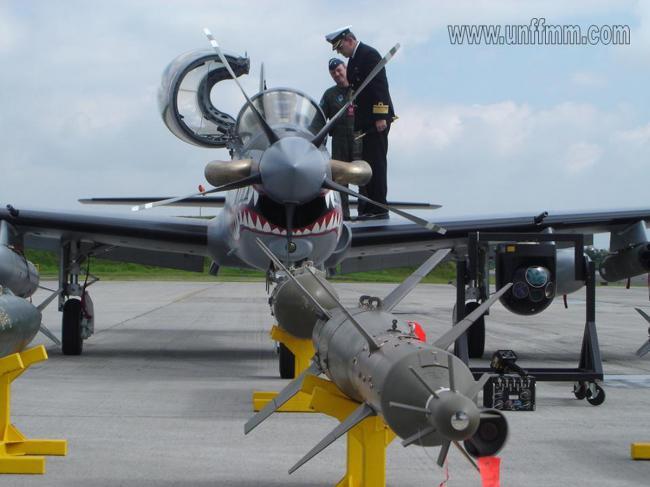 Força Aérea da Colômbia conclui com êxito testes com bombas LGB Griffin